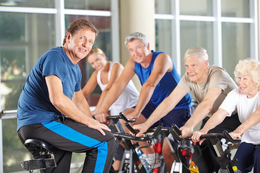 Fit im Alter: In der Gruppe macht es noch mehr Spaß.