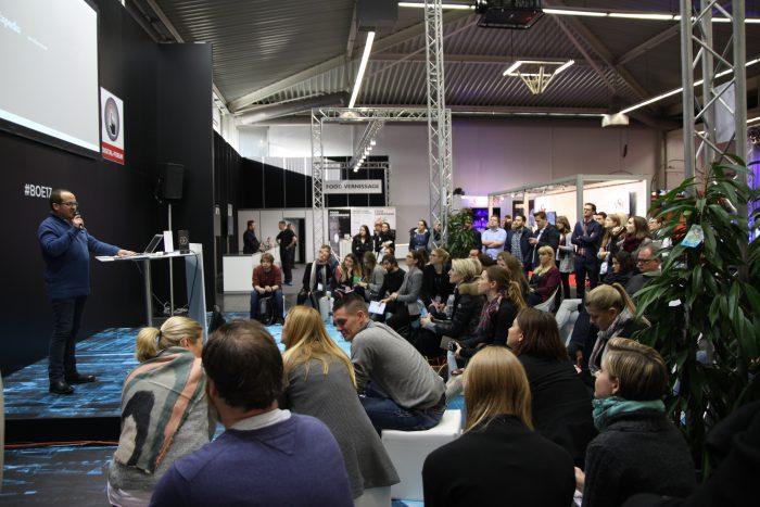 Immersive Media in Live Events – nur eines der vielen spannenden Themen auf dem Digital Forum. Der Vortrag wurde von Arne Ludwig vom ersten deutschen Fachverband für Virtual Reality gehalten.