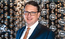 """Auszeichnung: IST-Kooperationspartner ist """"Hotelier des Jahres 2021"""""""