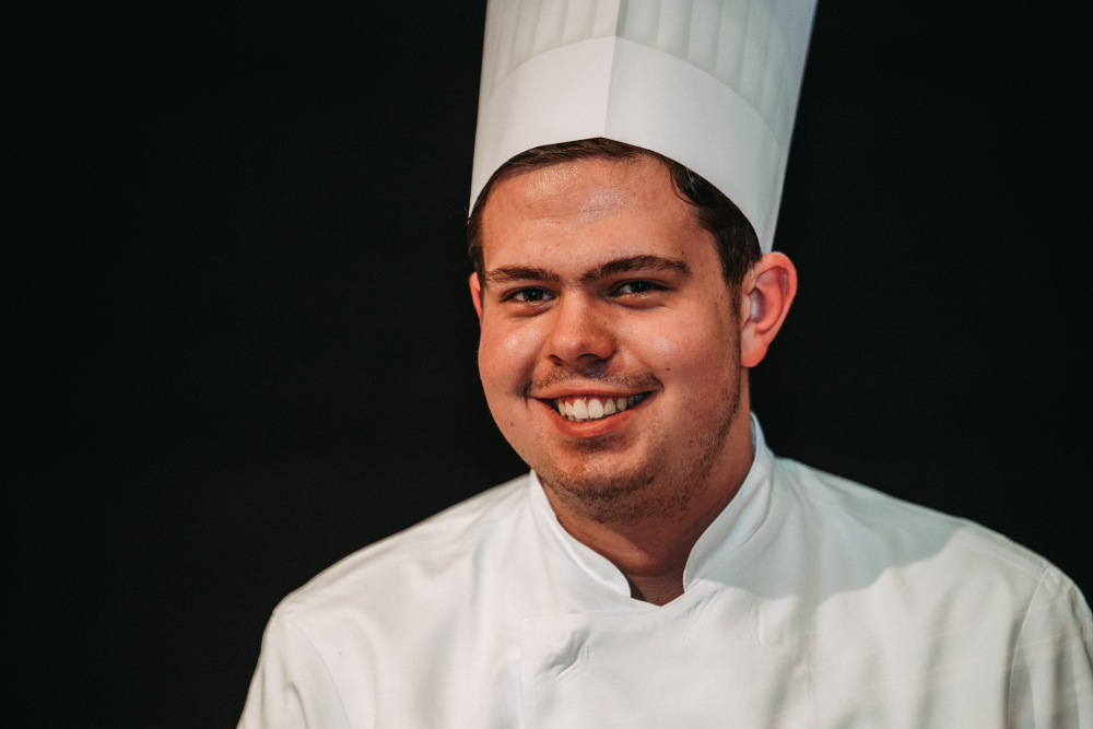 IST-Student Alexander Uelhoff ist von seinem dualen Studium begeistert.