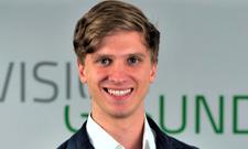 Yannik Bonikowski leitet das Webinar.